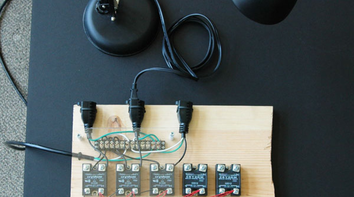 Flashback Haunted House Controller Make Wiring Diagram Article Featured Image