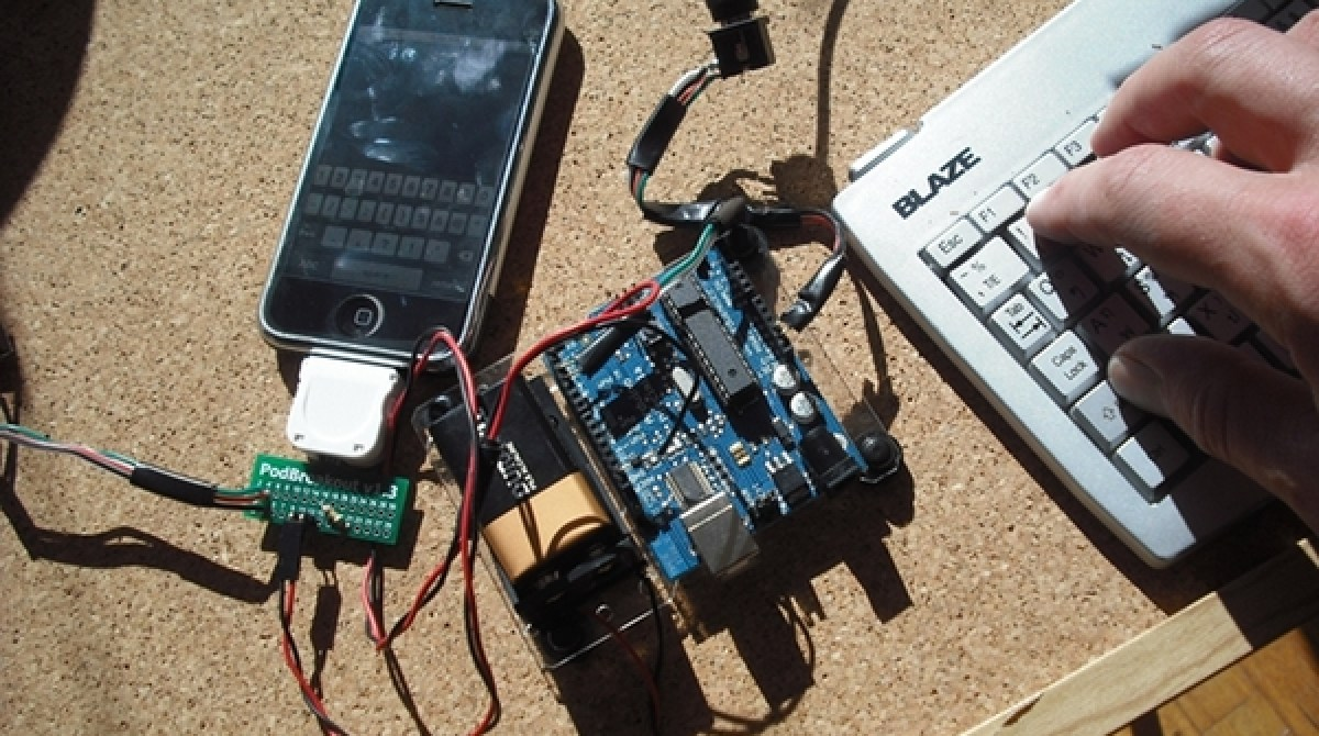 iPhone PS/2 keyboard interface with Arduino | Make:
