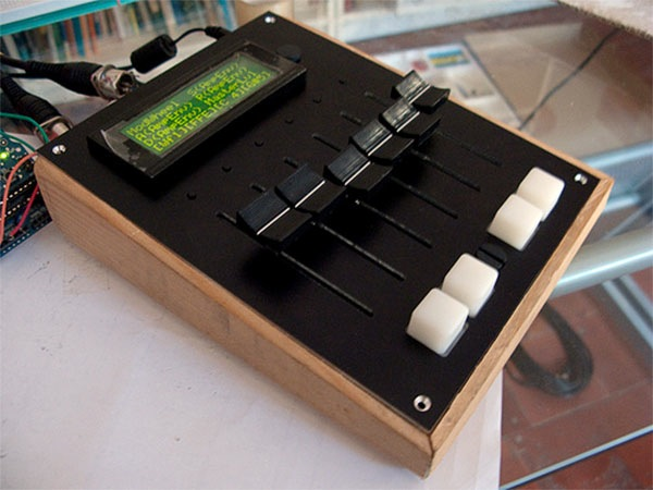 MIDI fader controller with Arduino