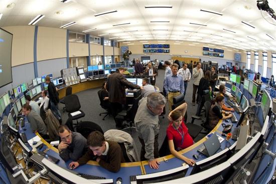 LHC tweets its first circulating beam of 2009