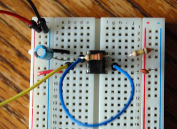 How-to: Using a 555 timer as an external clock for the Arduino