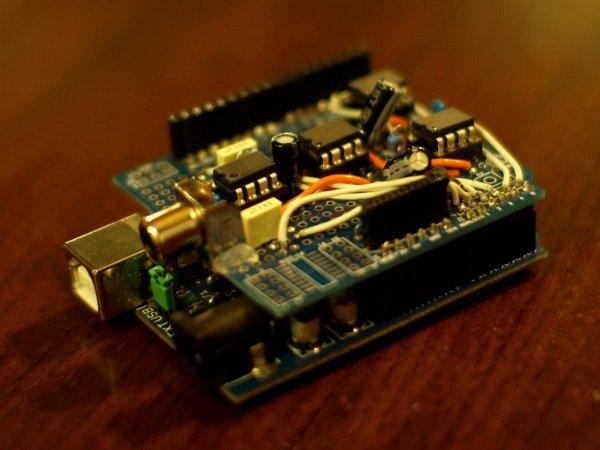 Eye shield gives your Arduino an eye