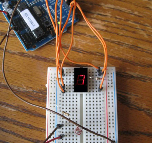 How-to: Connecting a 7-segment LED to the Arduino