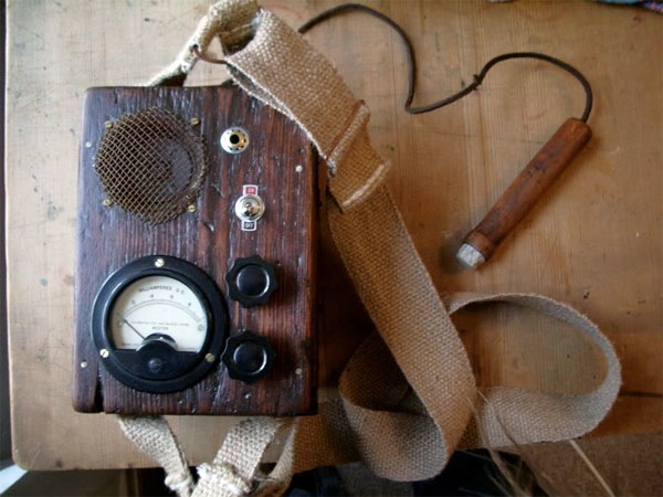 Audible EMF detector in steampunk style