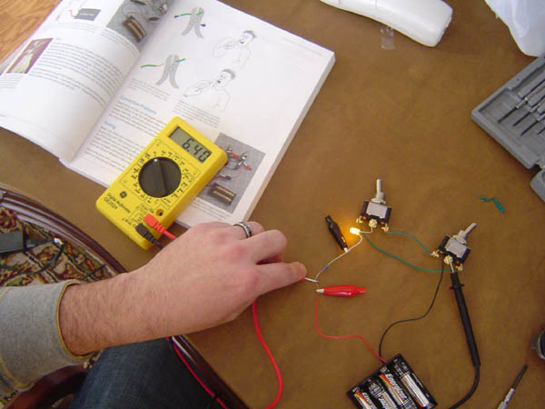 Jim Kelly's Make: Electronics lab update