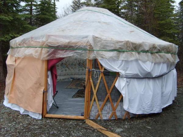 DIY yurt made out of trash
