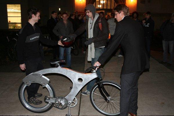 Spokeless bicycle