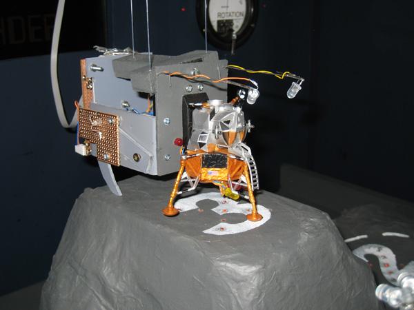 Lunar landing simulator