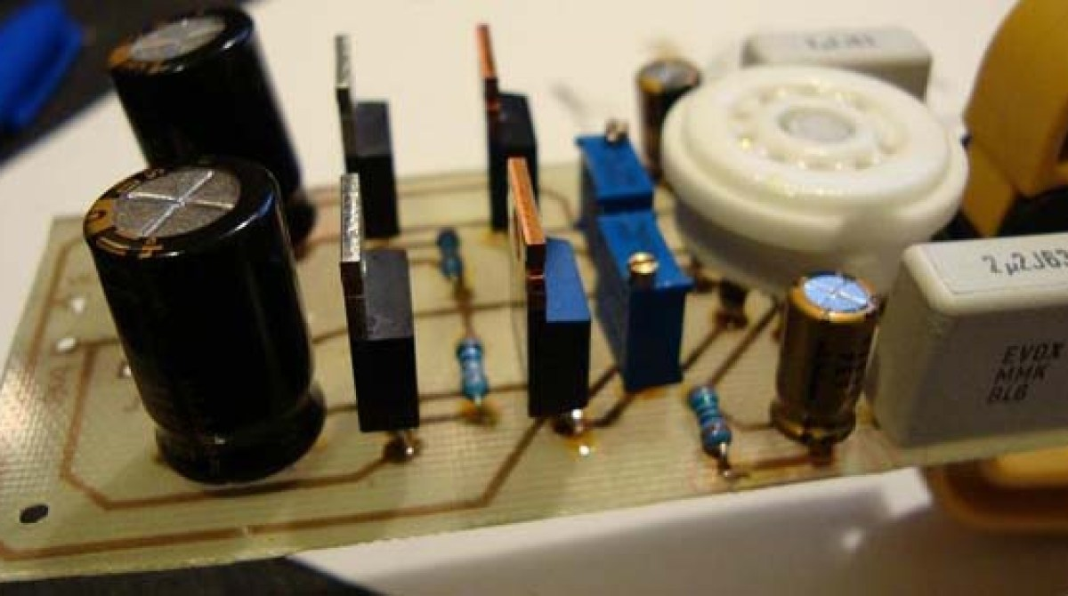 Low voltage tube headphone amp | Make: