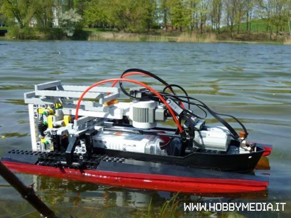 Lego NXT R/C boat