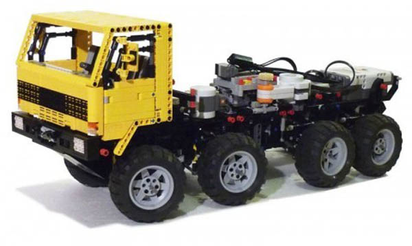 Phone-controlled Lego 8×8 Volvo truck