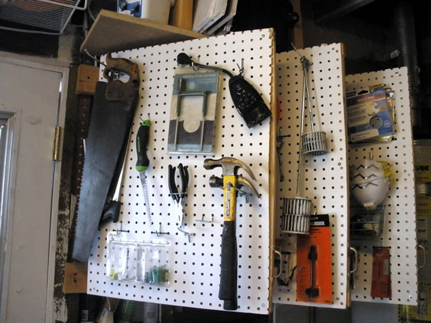 "How-To: Pegboard ""Leaves"" for Tool Organization"