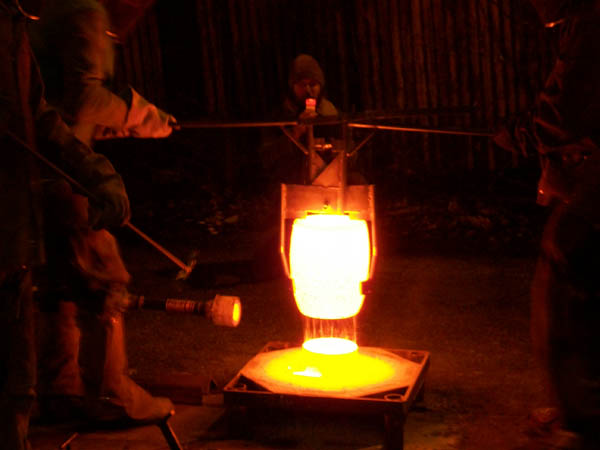 The art and community of the DIY iron pour
