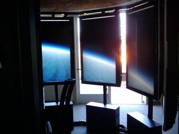 "Google has a Great Glass Elevator; they call it ""Liquid Galaxy"""