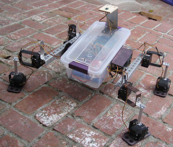 Sterylite6000, a shoebox robot
