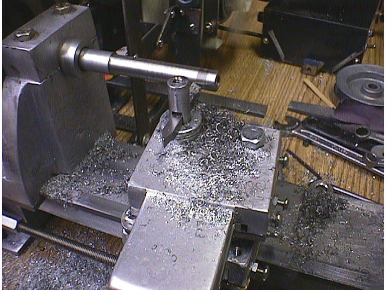 Gingery-style homemade metal lathe builds