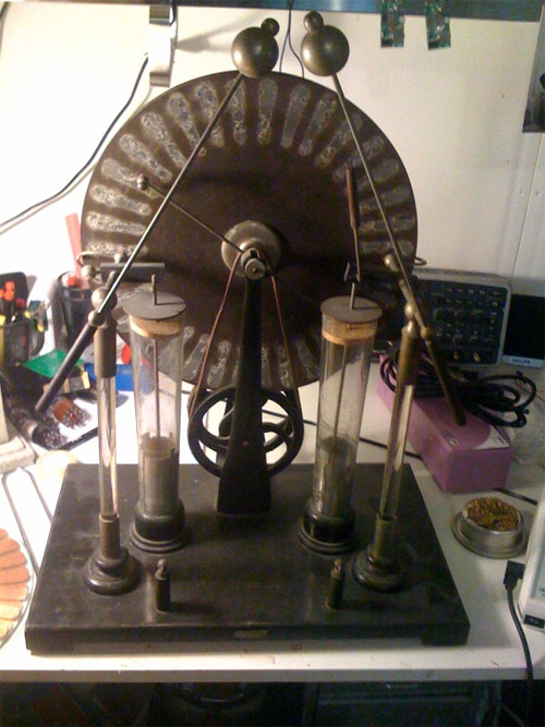 Restoring a Wimshurst machine
