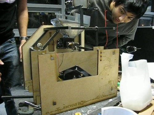 Turning plastic trash into 3d printable material