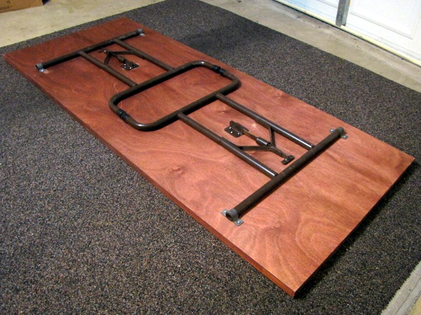 Make: Projects – Hollow-core door table