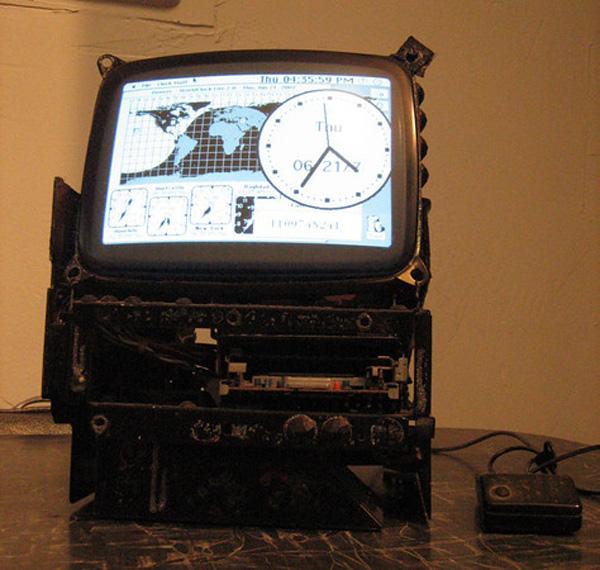 Mac Classic clock