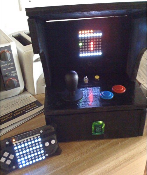 MeggyCade Jr, an arcade machine made from a Meggy Jr