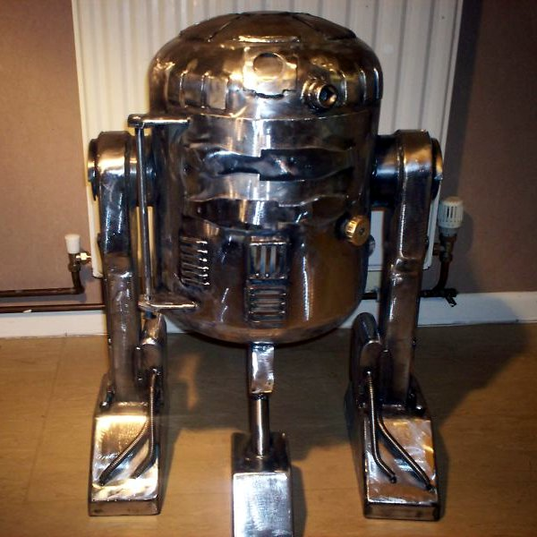 R2-D2 wood stove from recycled gas bottle