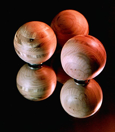 How to: Turn Perfect Wooden Spheres on a Lathe