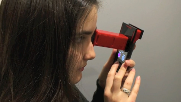 Smartphone Accessory Detects Cataracts