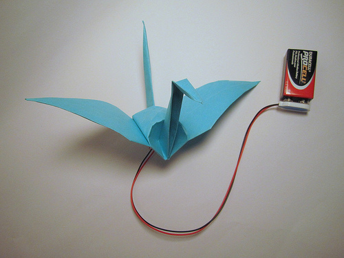 Origami Crane Flaps its Wings With Memory Alloy
