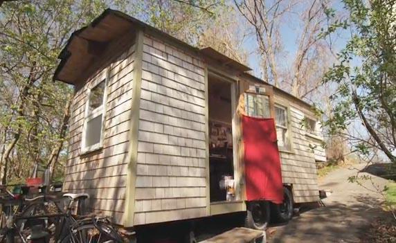 "A Handbuilt Home in Boston: ""Sage's Gypsy Wagon"""