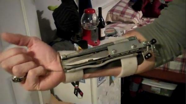 DIY Assassin's Creed Arm Blade Prop