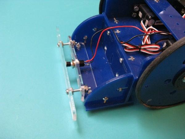 "Make: Projects – Tiny Wanderer Bump Sensor and ""Moth"" Behavior"