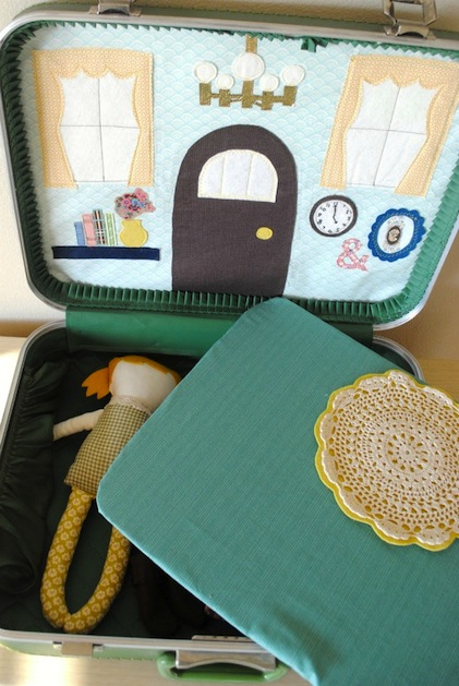 How-To: Suitcase Dollhouse
