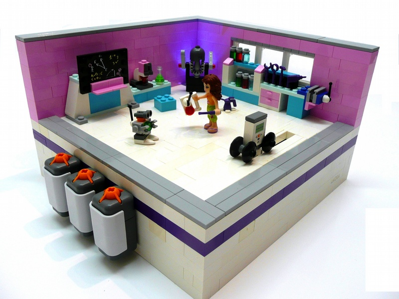 LEGO NXT-ified Friends Robotlab