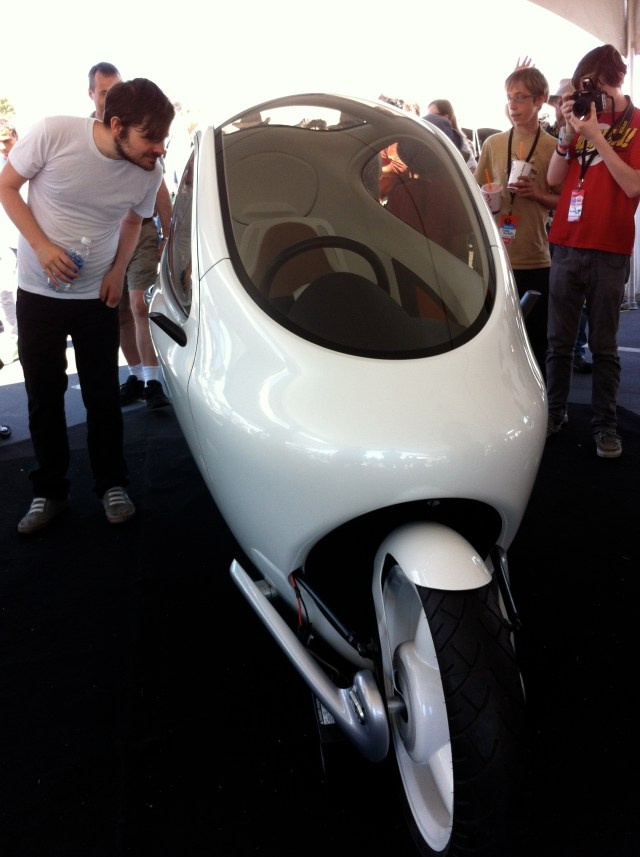 Gyroscope Motorcycle You Can't Knock Over