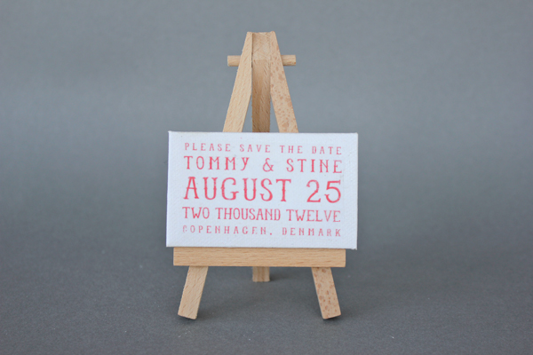 How-To: Mini Easel Save the Dates