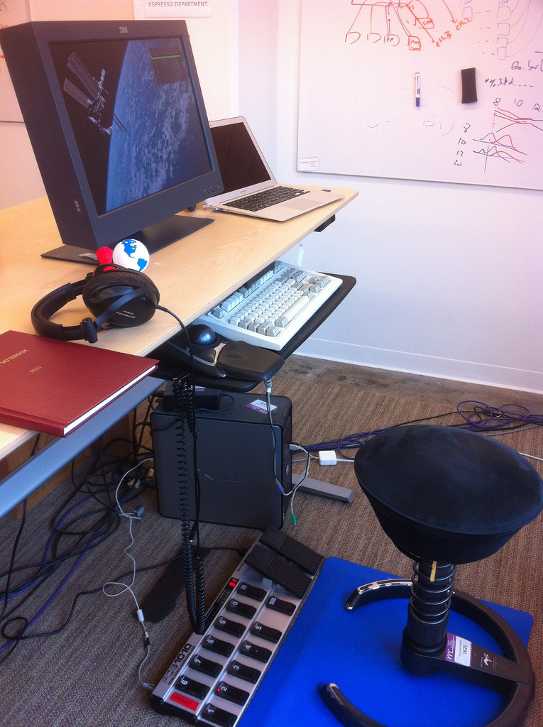 Using USB Foot Pedals With a Standing Desk