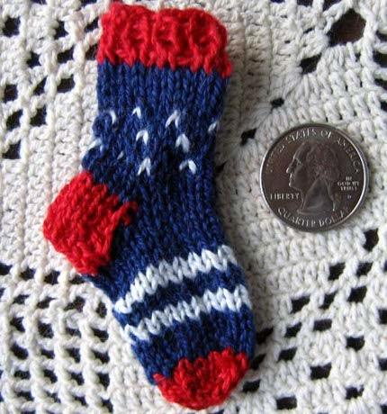 How-To: Patriotic Mini Knit Sock Pin