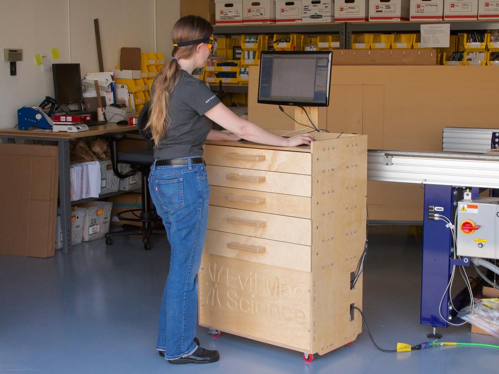 EMSL's CNC Workstation Cart