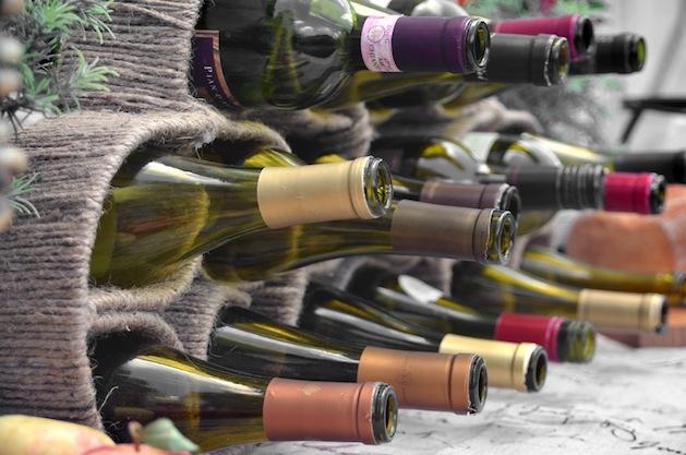 grosgrain_twine-wrapped_wine_rack2.jpg