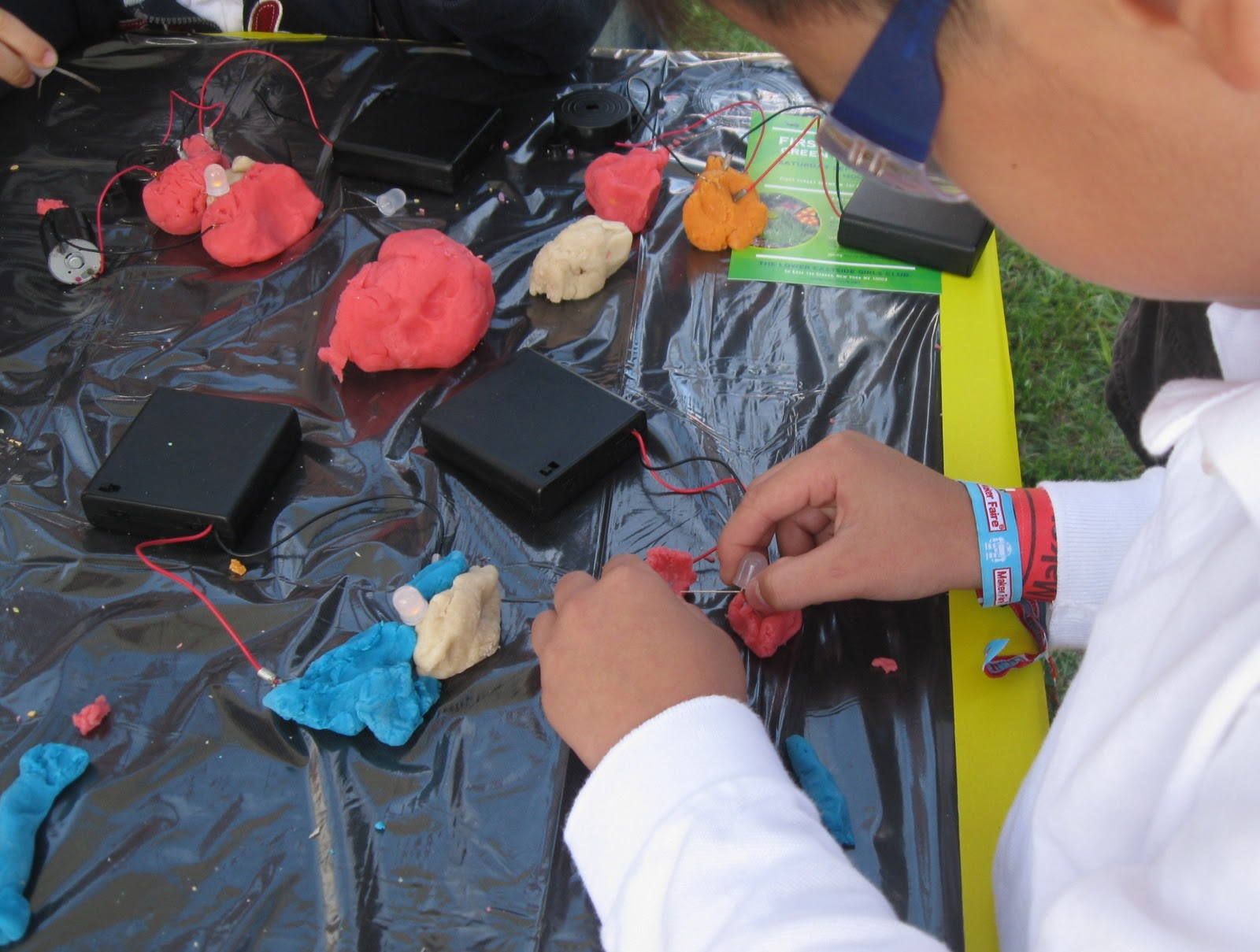 Squishy Circuits – The Easy Way to Learn Electronics