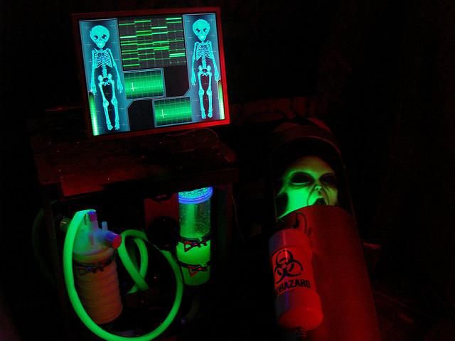 Alien twins life support system haunt prop