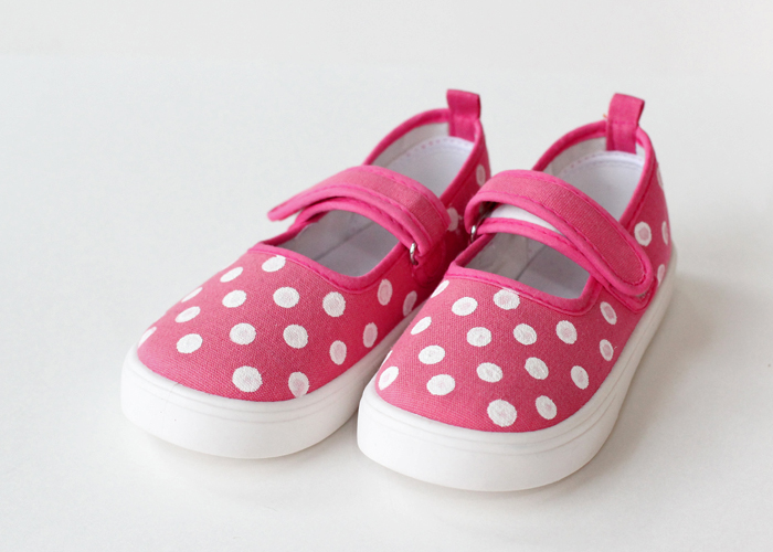 DIY Glitter Polka Dot Shoes