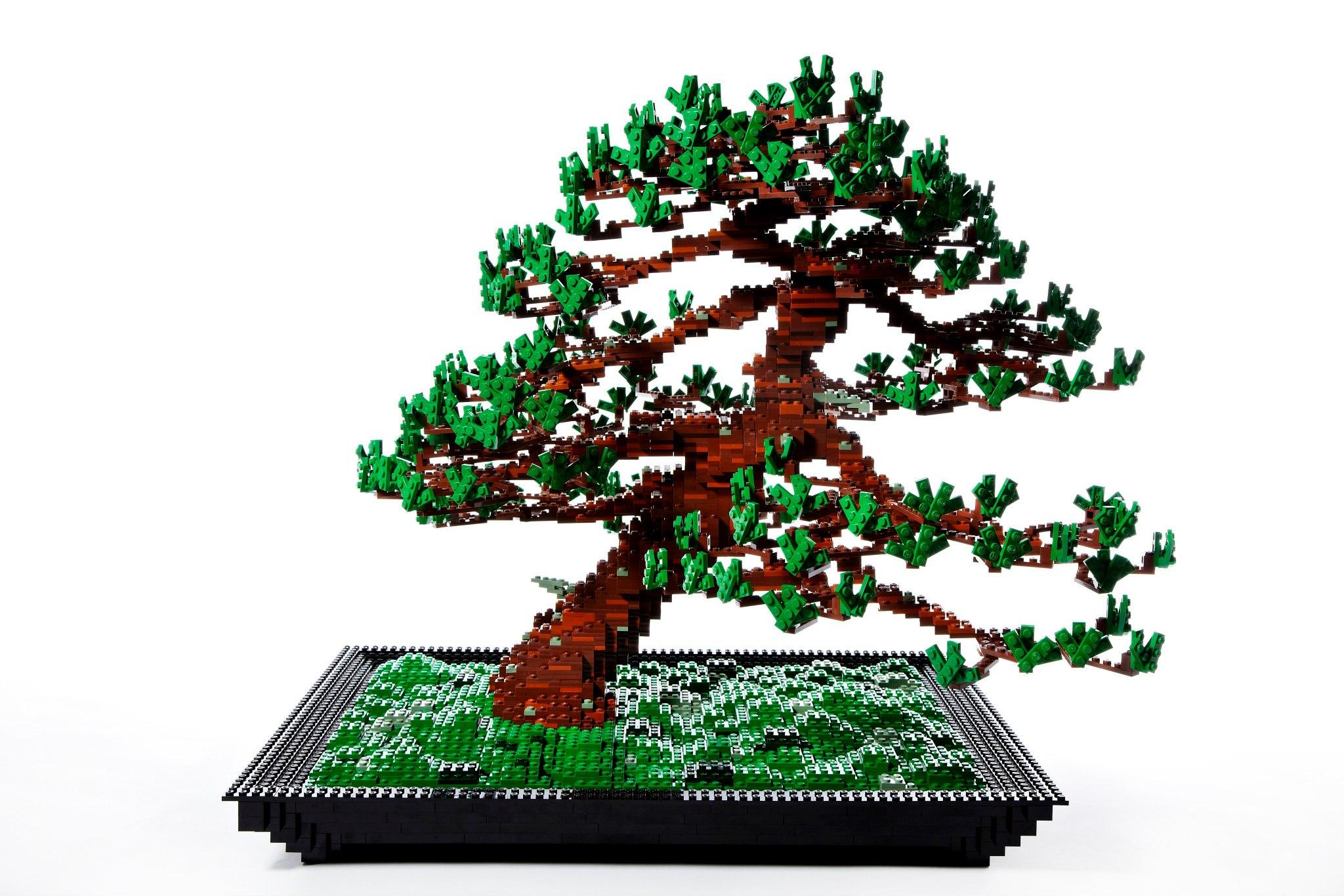 Lego Bonsai Looks Pixelated
