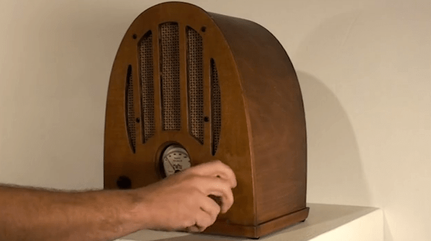 Sean Hathaway's Tweet-Speaking Radio
