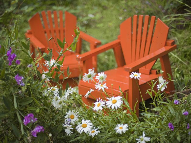Bright and Fresh Garden Furniture