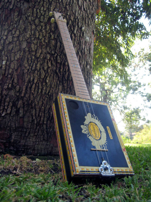 Learn How To Build An Easy Cigar Box Guitar Make