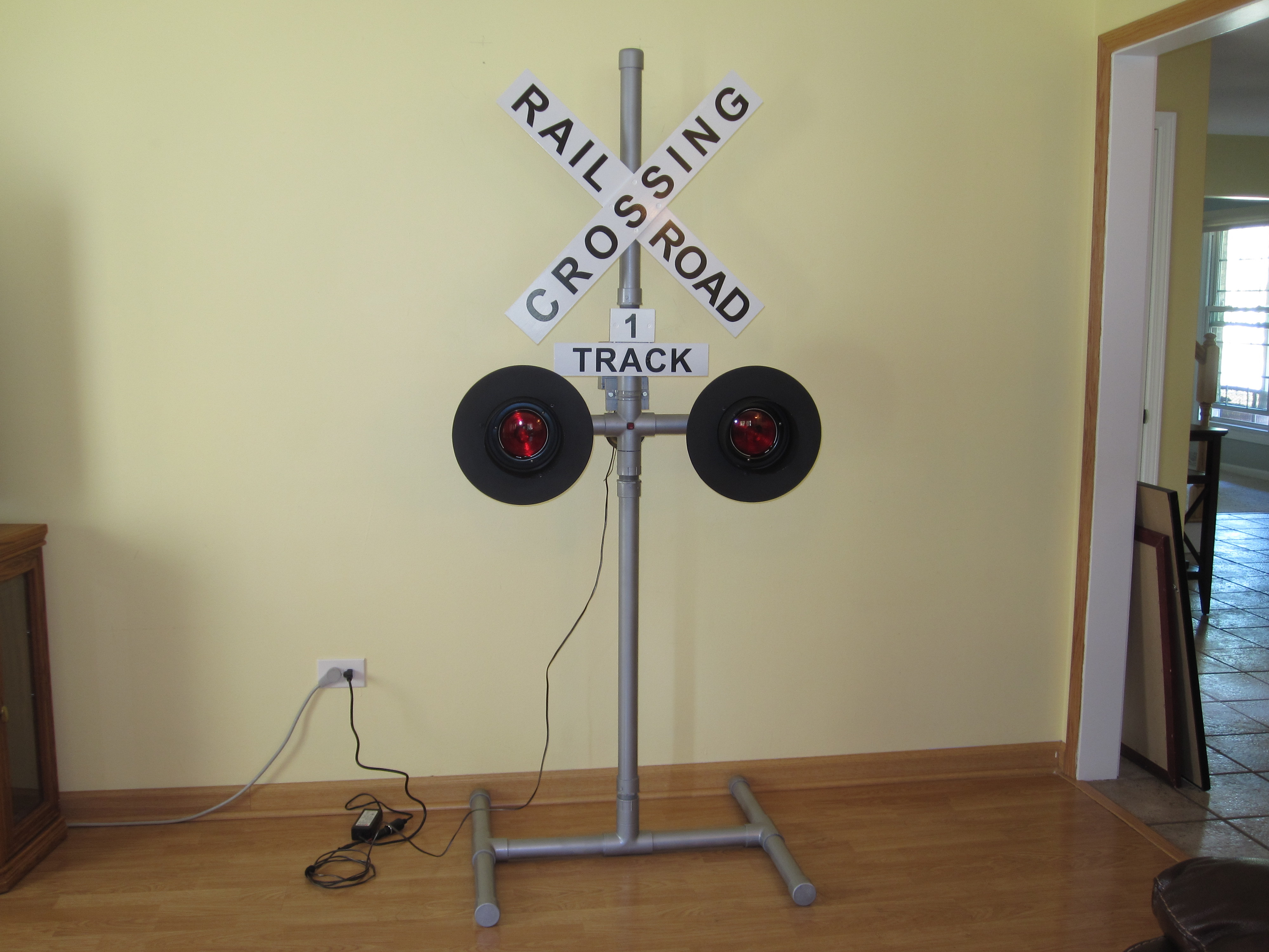 Operating Railroad Grade Crossing Signal Make Advice Desired On My Model Building Light Controller Circuit