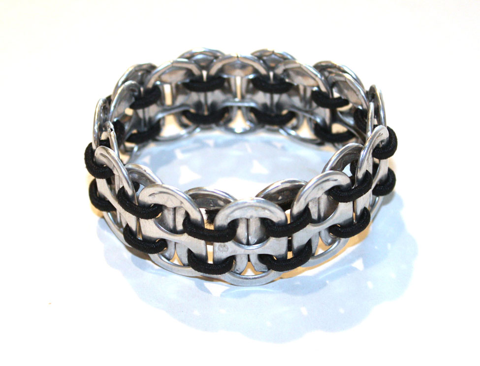 Video: Soda Tab Bracelets