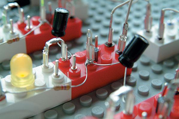 Homebrew — My Lego Electronic Lab Kit Bricks